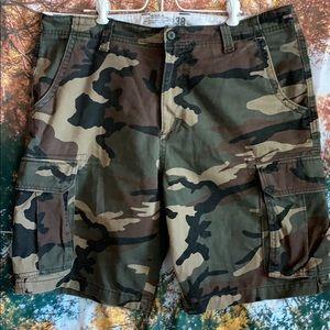 Old Navy camp cargo shorts